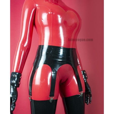 Six strap latex suspender belt
